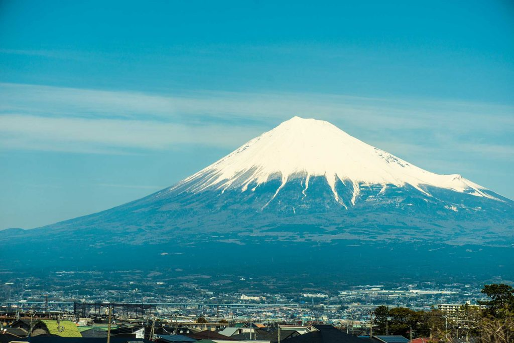 Mount-Fuji-on-the-way-to-tokyo